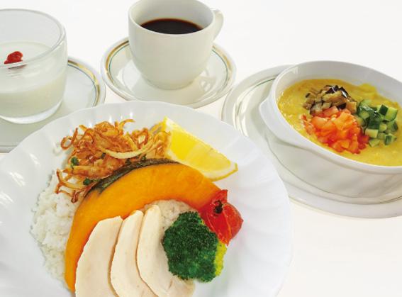 レディース&シニアDAY限定レディースランチ〈1日10食〉冷製ベジカレーをジャスミンライスで